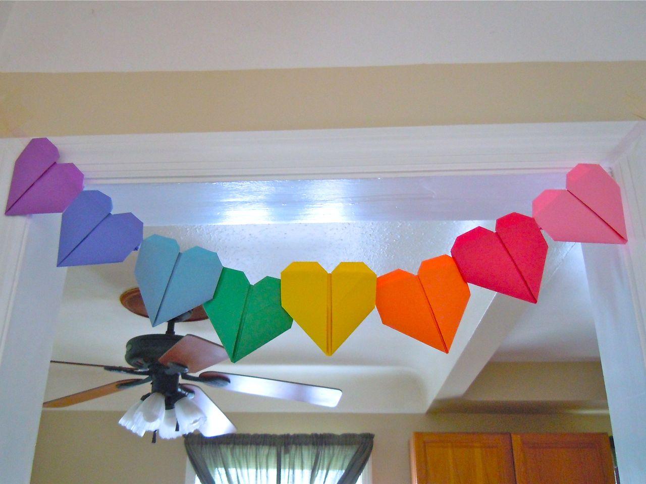すべての折り紙 折り紙ハートボックス : Origami Heart Garland